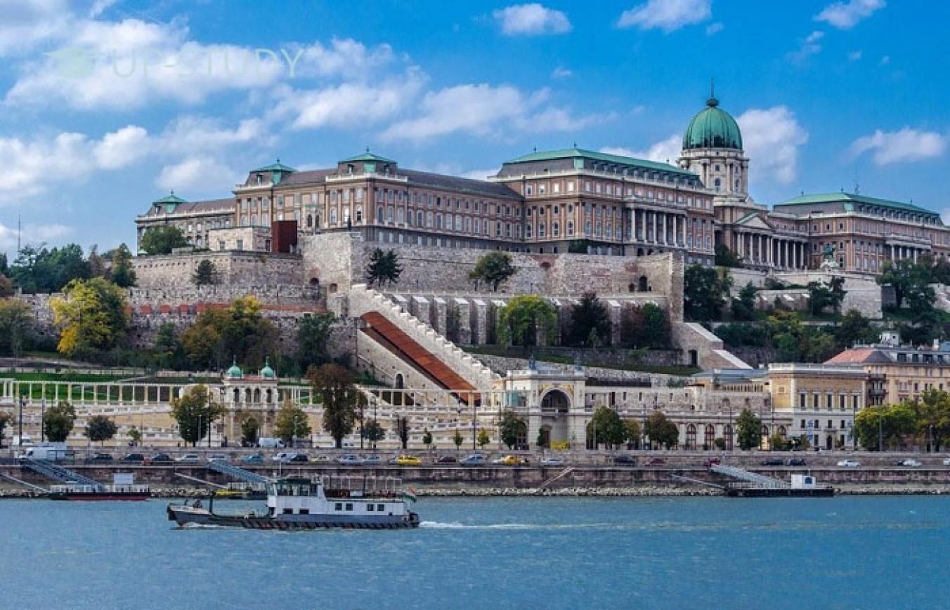 Дводенний калейдоскоп вражень для студентів Польщі від Будапешта