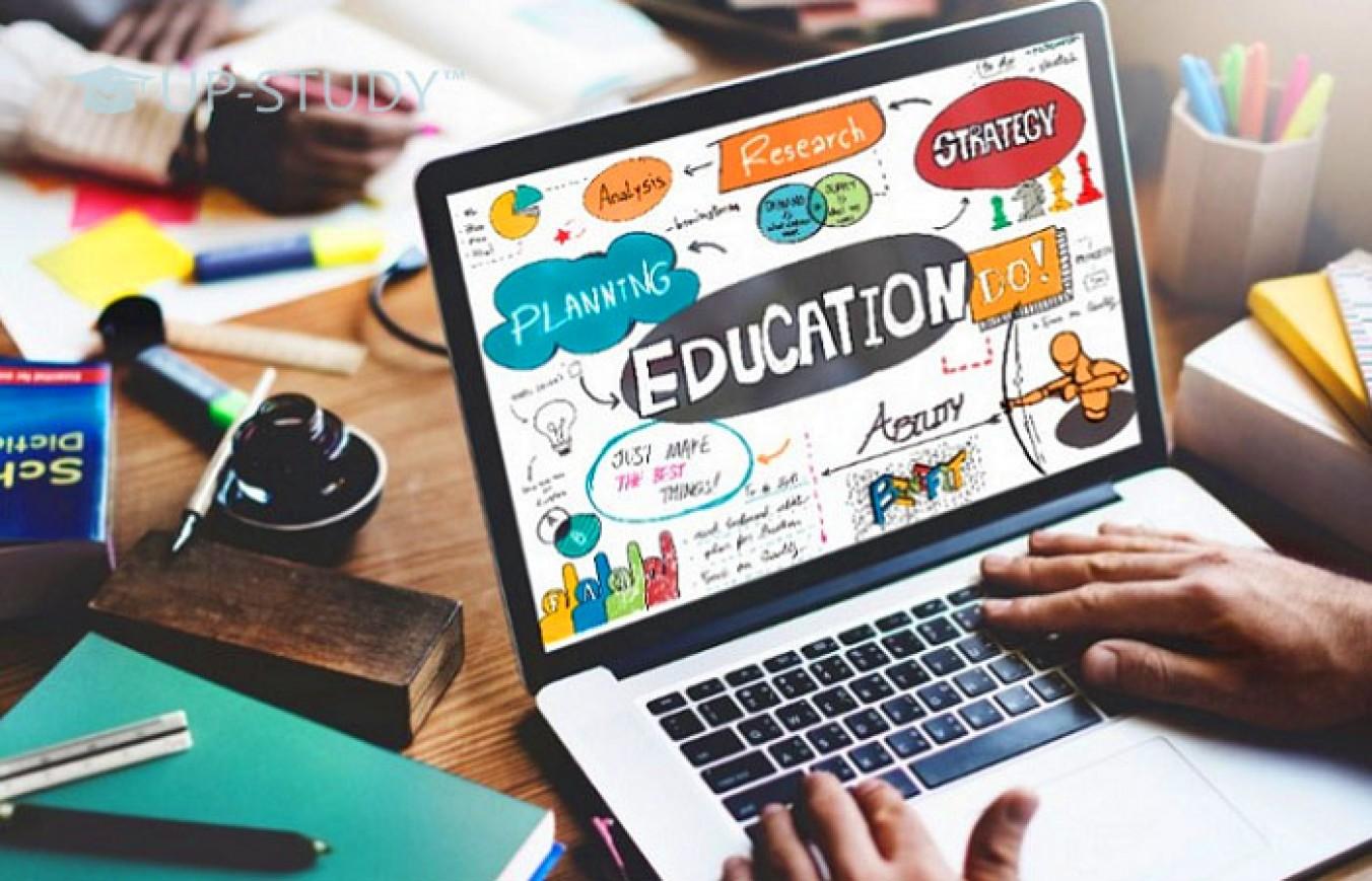 Навчання у Польщі за книгами або через інтернет