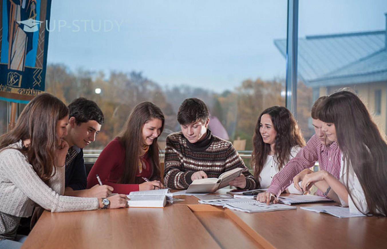 Студент-викладач. Чи зустрічається упереджене ставлення в університетах Польщі?