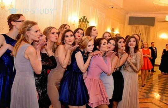 У скільки обійдеться організація випускного вечора у Польщі?
