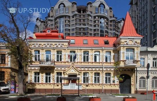 Студентська віза в Польщу. Як відкрити? Де відкрити? Ціна?