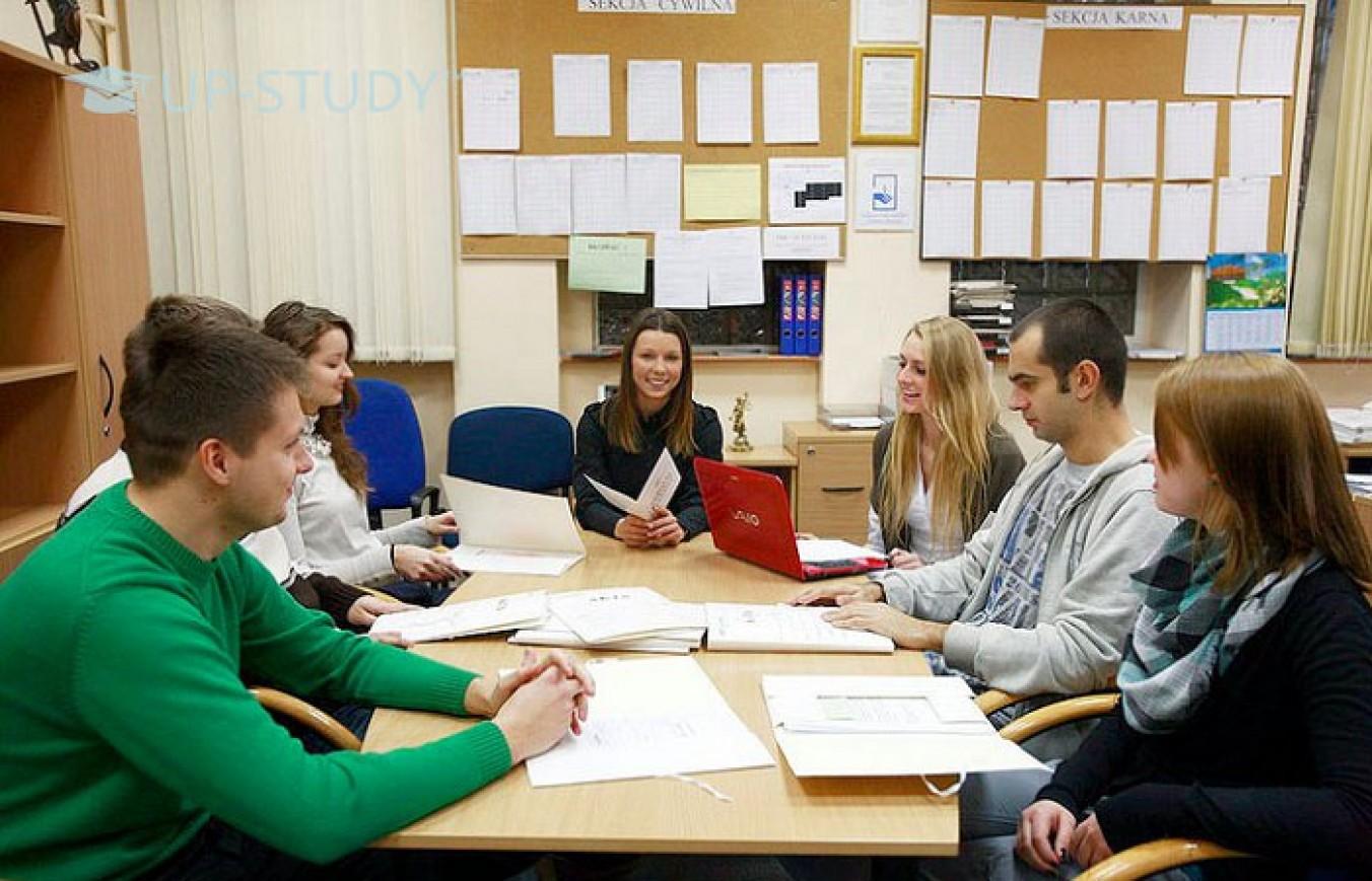 Робота в Польщі. Які вакансії відкриті для тих, хто вчиться в університеті?