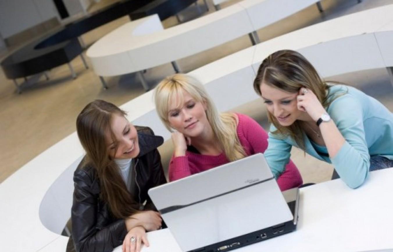 Як оплачувати навчання в Польщі з України по програмі UP-STUDY?