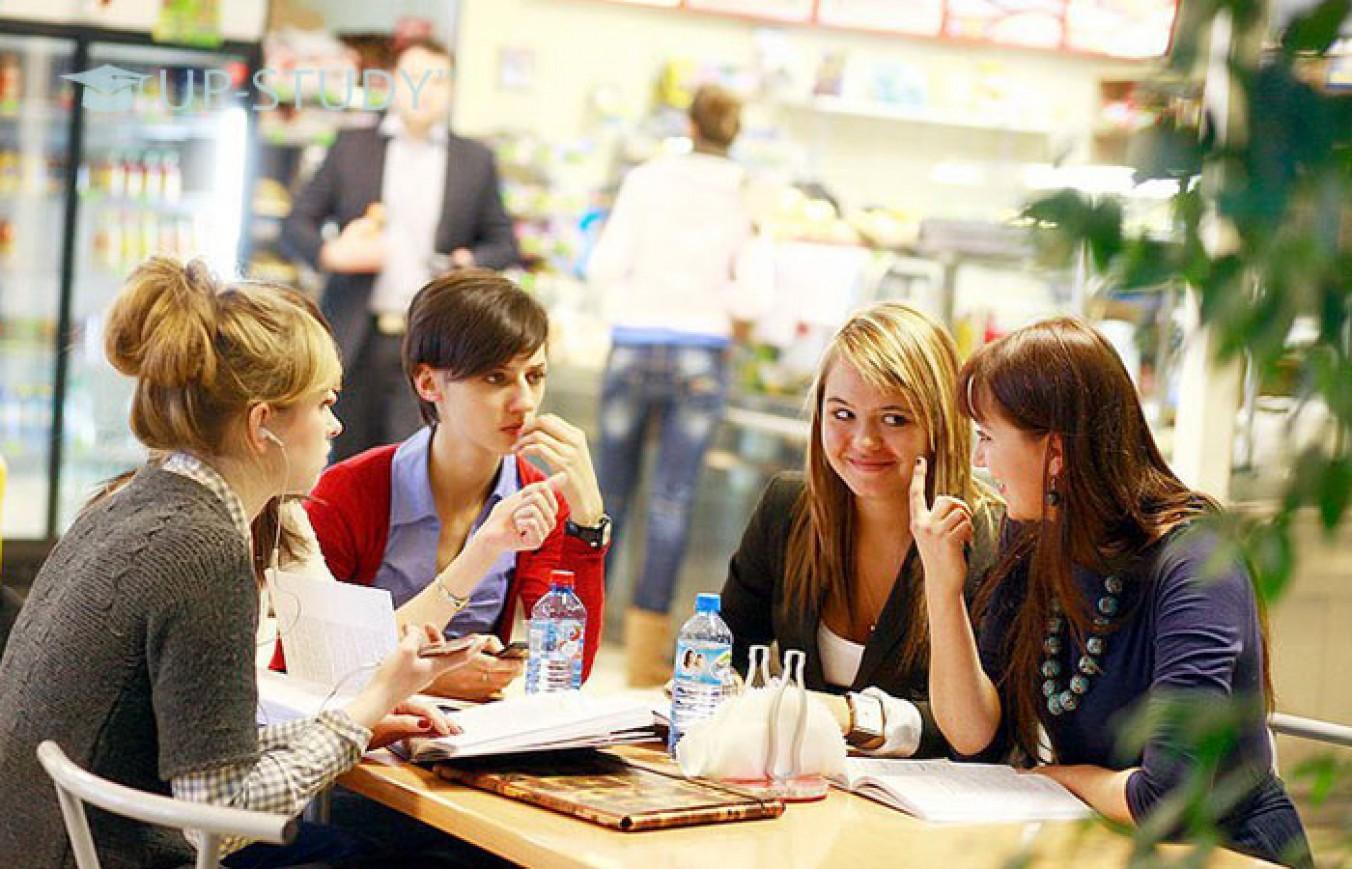 Де обідати студенту в Польщі? Добірка гарних та недорогих закладів