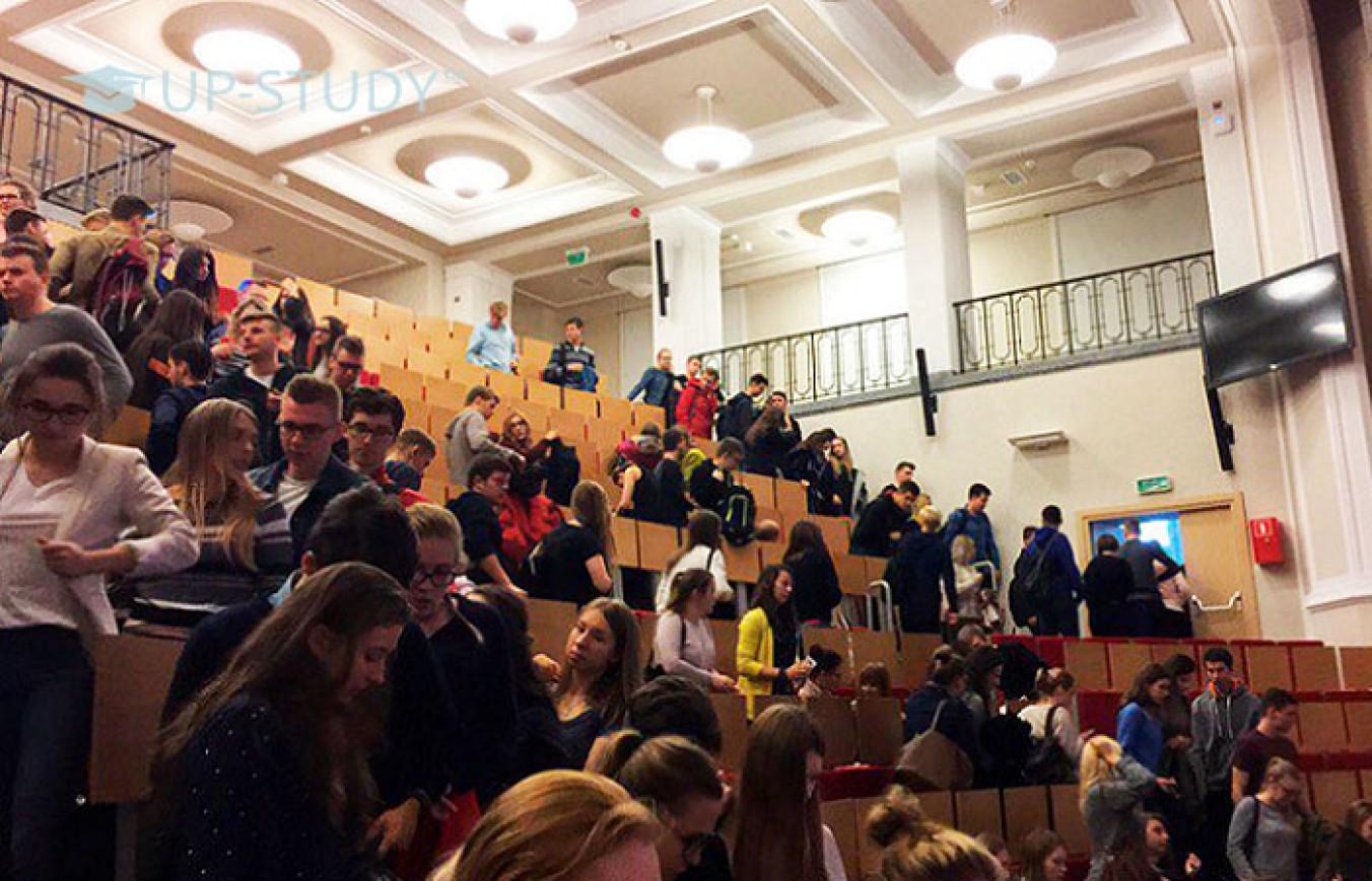 Чи виганяють студентів за прогули занять в університетах Польщі?