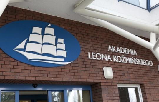 Двойной диплом для выпускников Академии Козьминского (Варшава)