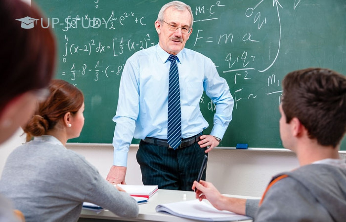 Середній вік викладачів в університетах Польщі